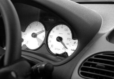 Jaką umowę zawrzeć z komisem samochodowym?